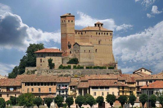 castle of serralunga alba