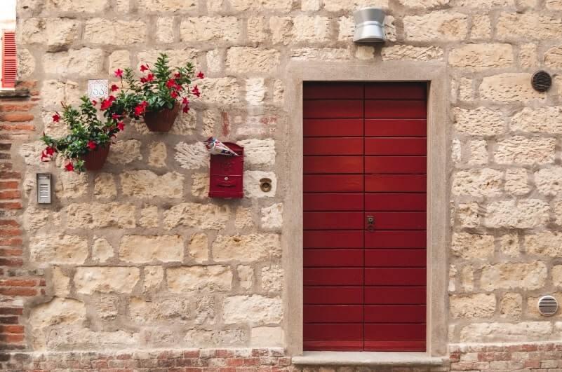 Cella Monfe front door 2