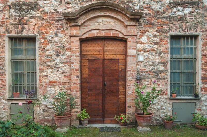Cella Monfe front door 3