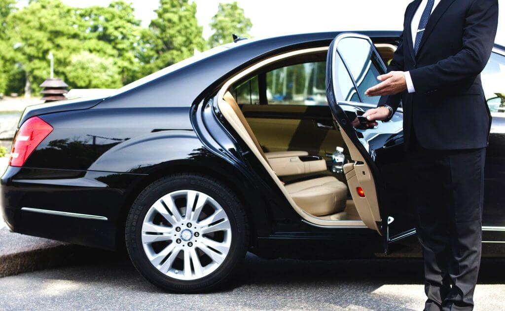 mercedes luxury taxi service