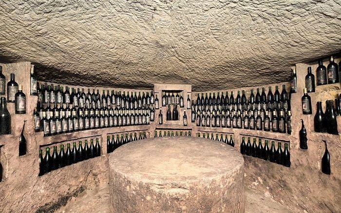 Crutin, Wine bottles Basso Monferrato