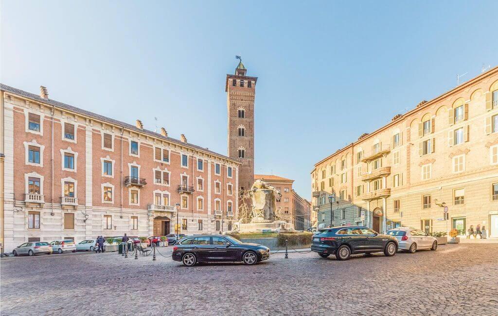 Piazza Medici Square & Torre Troyana Asti